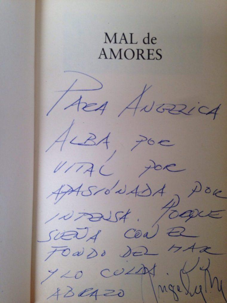 autógrafo-Ángeles-Mastretta